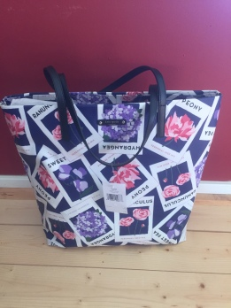 Kate Spade Turn Over a New Leaf Tote- Retailing of $148- yours for ONLY $115!